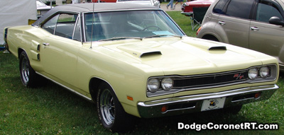 1969 Dodge Coronet R/T. Photo from 2007 Mopar Nationals Classic - Columbus, Ohio.
