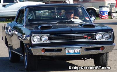 1969 Dodge Coronet R/T. Photo from 2007 Mopar Nationals Classic - Columbus, Ohio.
