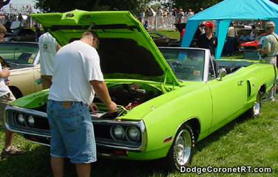 1970 Dodge Coronet R/T Convertible. Photo from 2001 Mopar Nationals - Columbus, Ohio.