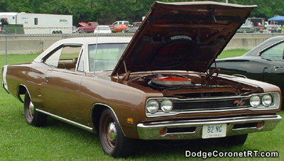 1969 Dodge Coronet R/T. Photo from 2001 Tri state Chrysler Classic - Hamilton, Ohio.