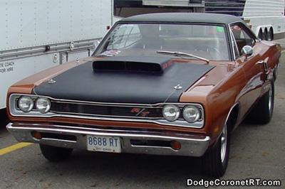 1969 Dodge Coronet R/T. Photo from 2002 Columbus Chrysler Classic - Columbus, Ohio.