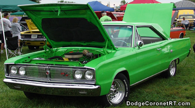 1967 Dodge Coronet R/T. Photo from 2004 Mopar Nationals - Columbus, Ohio.