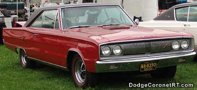 1967 Dodge Coronet R/T. Photo from 2004 Mopar Nationals - Columbus, Ohio.