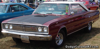 1967 Dodge Coronet R/T. Photo from 2005 Mopar Nationals Classic - Columbus, Ohio.