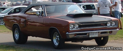 1969 Dodge Coronet R/T. Photo from 2005 Tri State Chrysler Classic - Hamilton, Ohio.