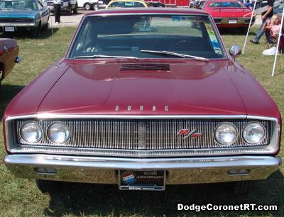 1967 Dodge Coronet R/T. Photo from 2006 Mopar Nationals Classic - Columbus, Ohio.