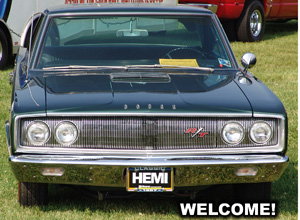 Above: 1967 Dodge Coronet R/T HEMI. Photo from 2005 Mopars At Indy event.